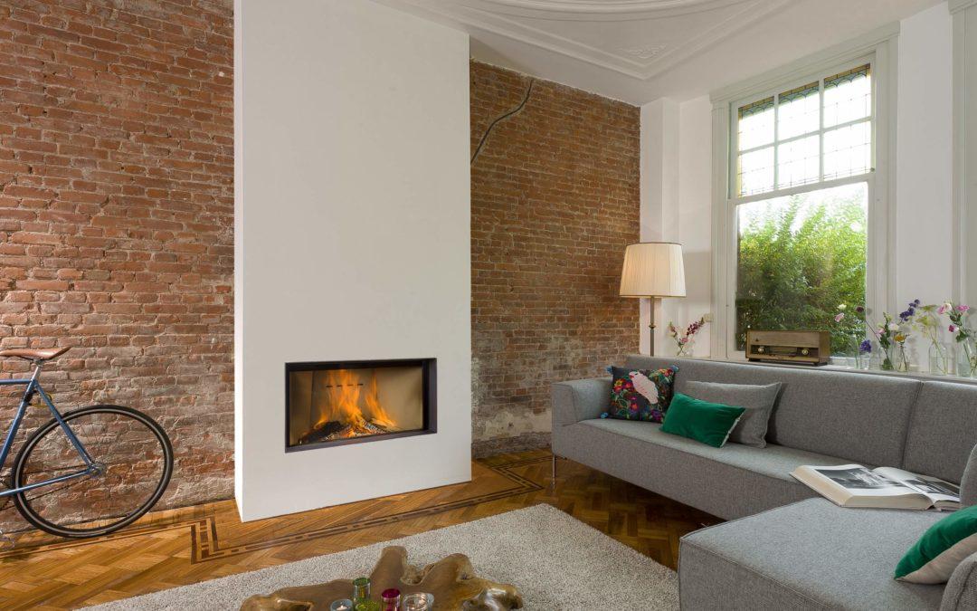 Barbas Evo, la cheminée au bois de luxe avec une porte coulissante